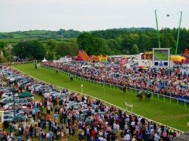 Horses racing at Cartmel Racecourse
