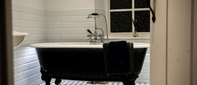 En-Suite Roll Top Bathroom