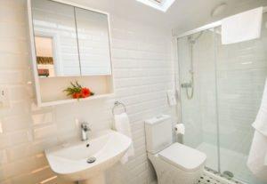En-Suite Bathroom for the Balcony Bedroom