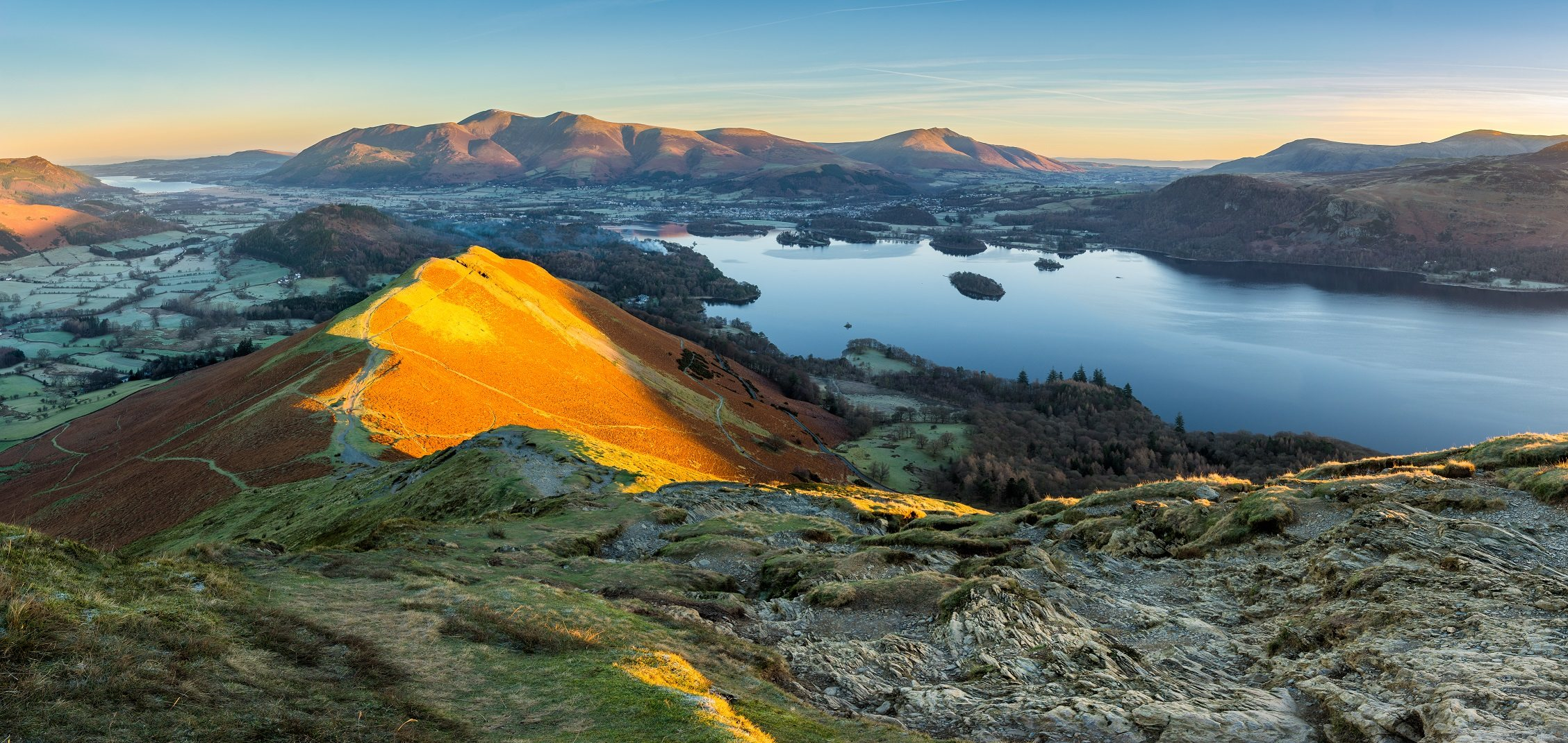 Stunning image of Catbells and Derwent Water