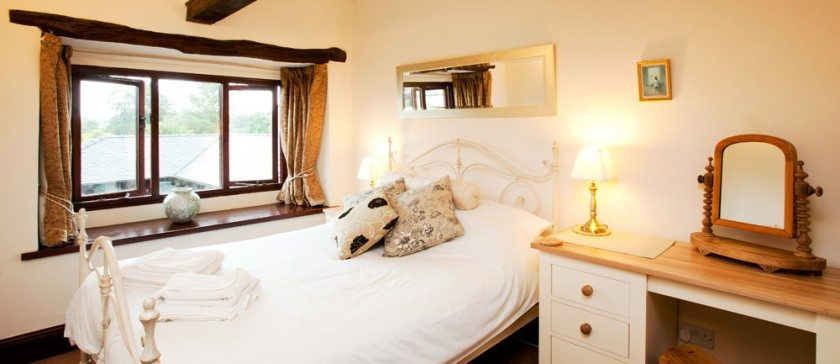 Carree cottage Double Bedroom