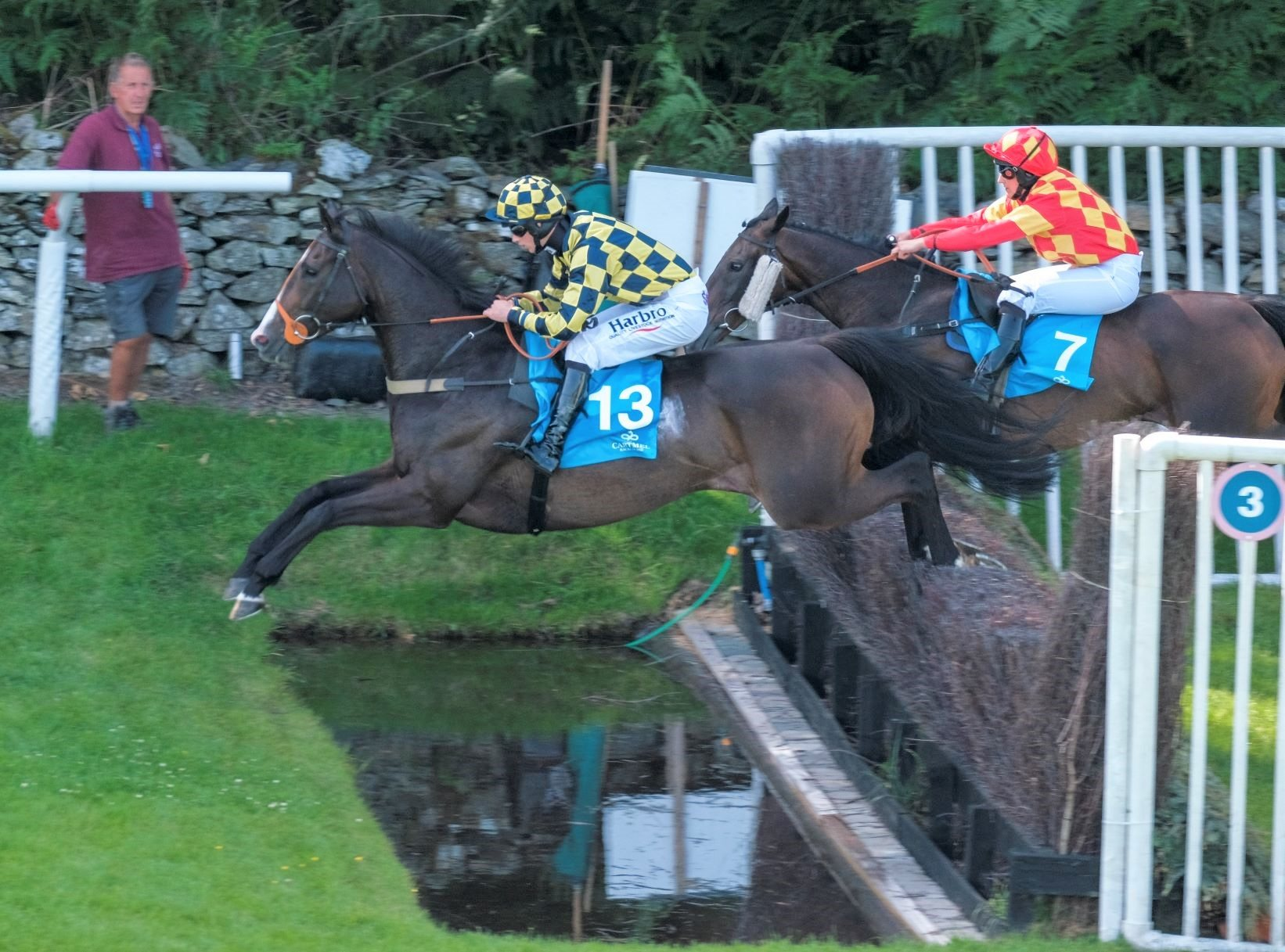 Cartmel Races jumping the fences