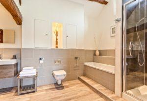 Large upstairs En-Suite Bath & Shower Room