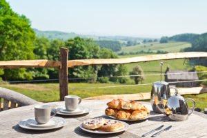 Breakfast alfresco at Cartmel Hill
