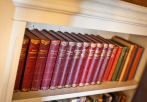 The bookcase in Carree Cottage